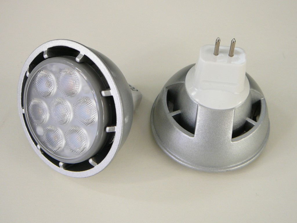 LED žárovka MR16 6W